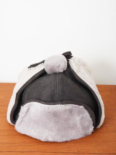 Mössa Fårskinn, grå/grå tofs