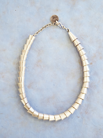 Necklace in zinc, Chosen