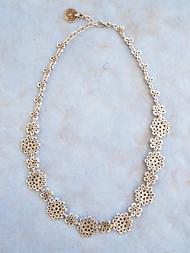 Necklace in zinc, Close