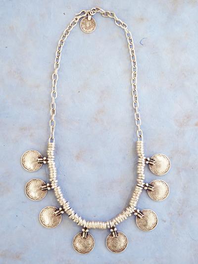 Necklace in zinc, Gradine