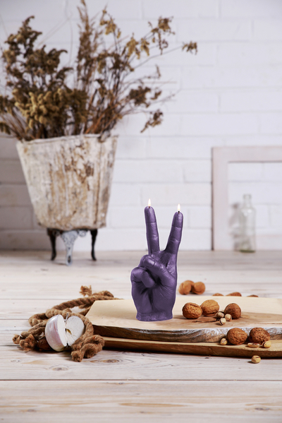 Hand candle - Peace, violet