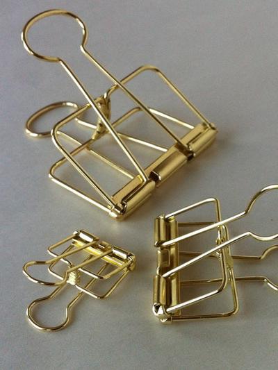 Wire Clip Gold Small 19mm